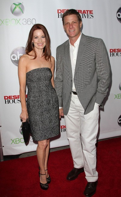 Laura Leighton et Doug Savant lors de la Desperate Housewives Final Party à L.A., le 29 avril 2012.
