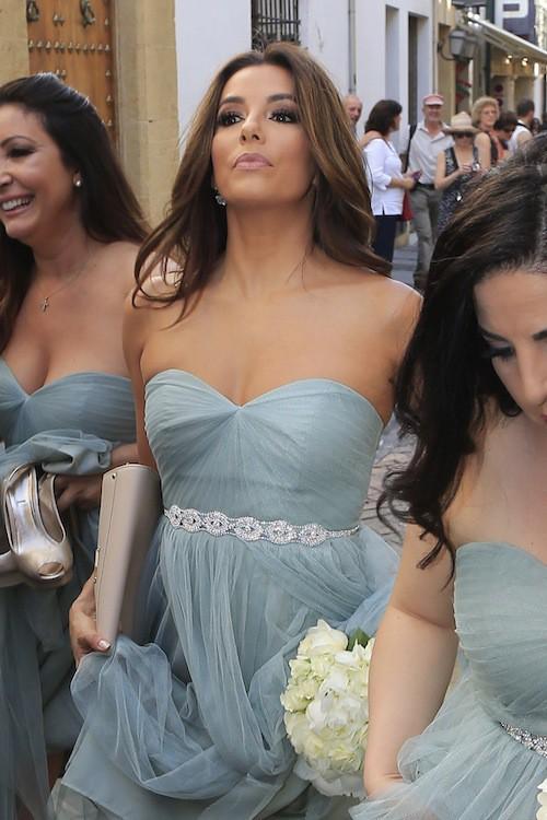 Photos : Eva Longoria, la demoiselle d'honneur aux pieds nus vole la vedette à la mariée !