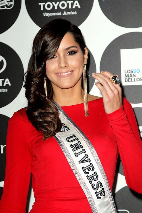 Photos : Eva Longoria : les Miss ? Elle n'en fait qu'une bouchée !
