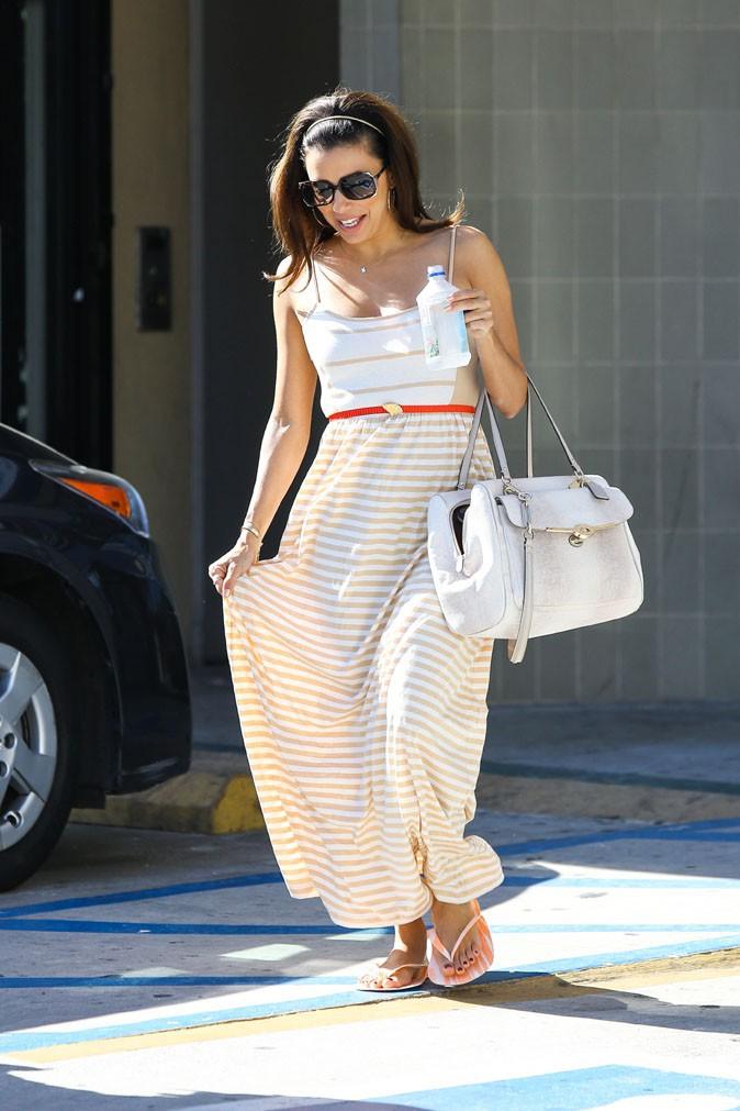 Eva Longoria à la sortie de chez la pédicure à Los Angeles le 17 août 2013