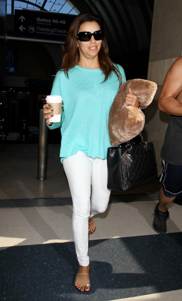 Eva Longoria à l'aéroport de Los Angeles le 19 avril 2013