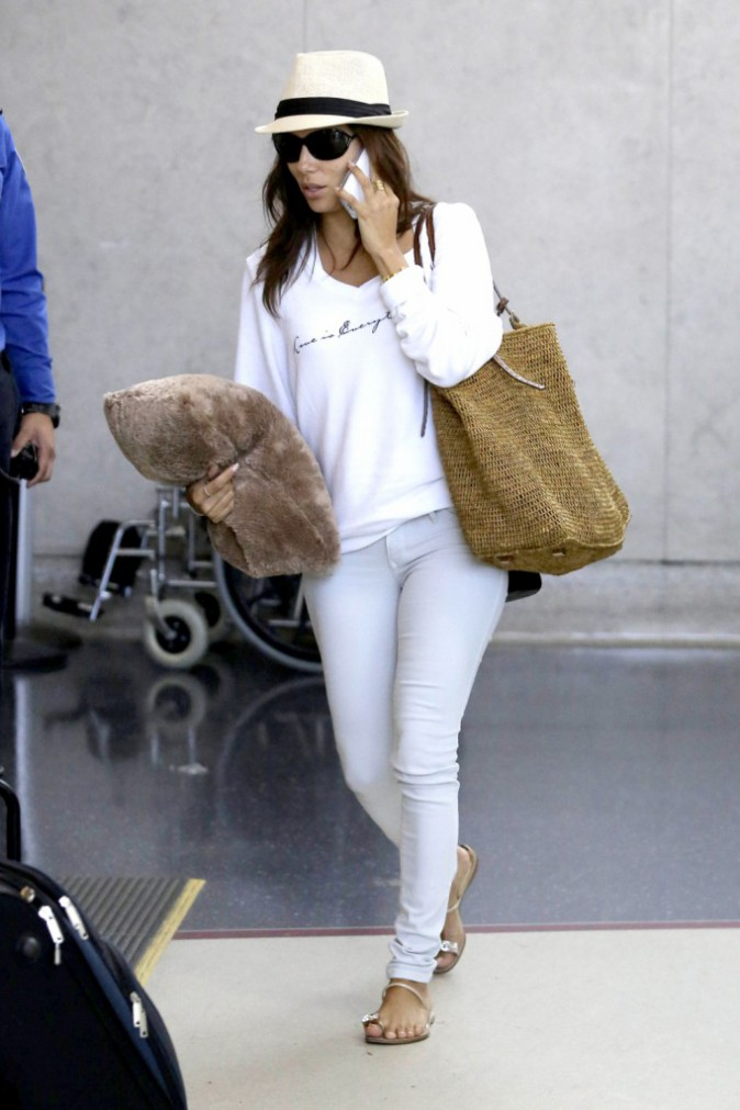 Eva Longoria à l'aéroport de Los Angeles le 6 août 2013