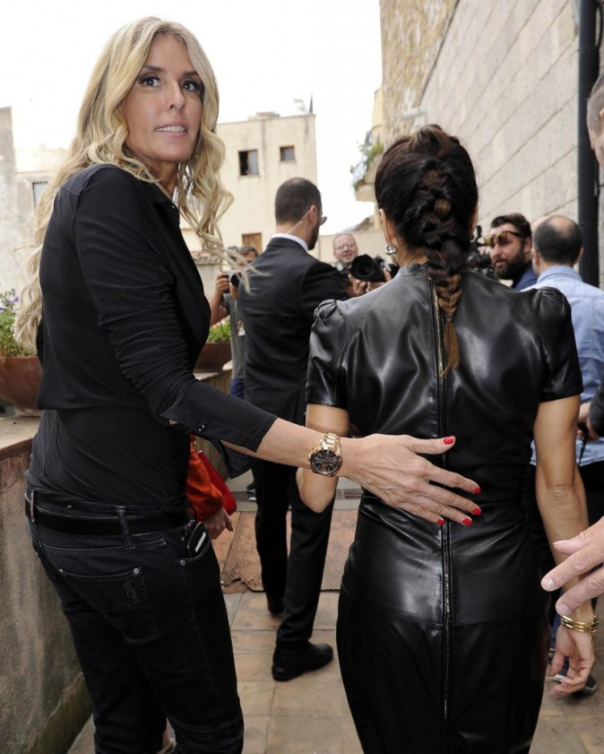 Photos : Eva Longoria : une sexy lady en 100% cuir qui fait son effet en Italie !