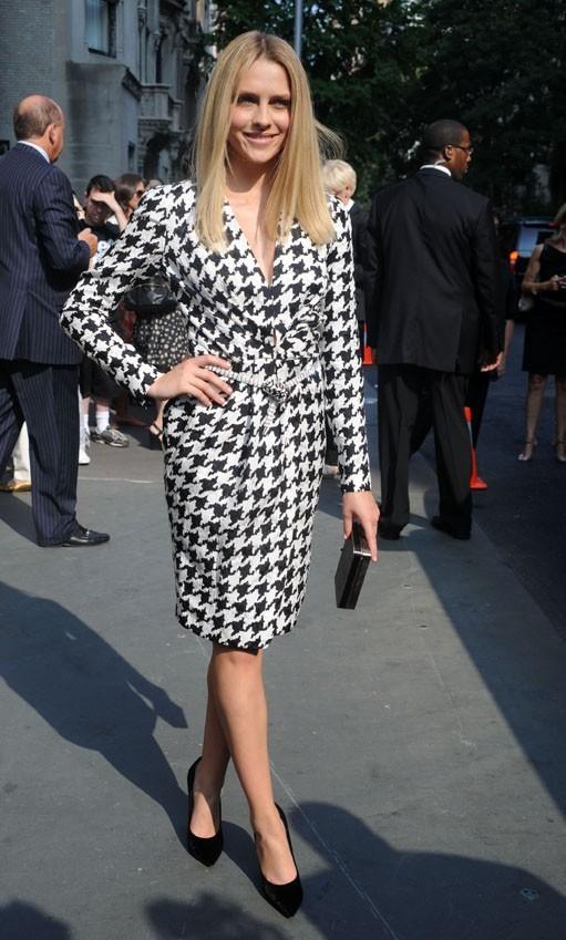 Teresa Palmer lors du défilé Resort 2012 du créateur italien Slavatore Ferragamo à New York, le 28 juin 2011.