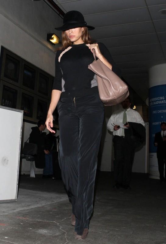 Eva Mendes le 6 février à Los Angeles