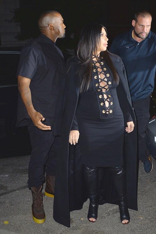 Photos : face à Bella et Gigi Hadid so sexy, Kim Kardashian rivalise du décolleté !