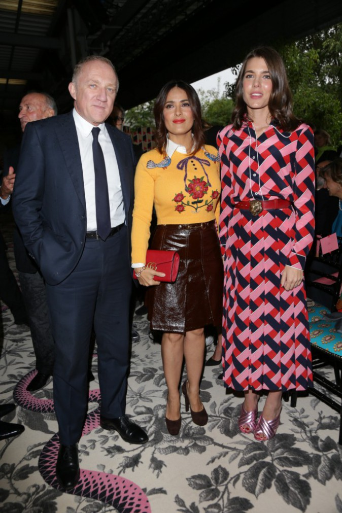 Photos : Fashion Week de Milan : Charlotte Casiraghi en mode seventies au défilé Gucci !