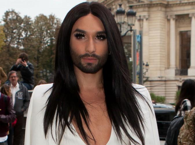 Fashion Week de Paris : Conchita Wurst : la diva fait une apparition angélique au défilé Akris !