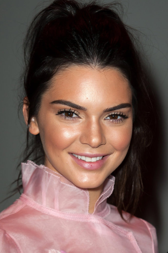 Photos : Fashion Week de Paris : Kendall Jenner brillante en front row !
