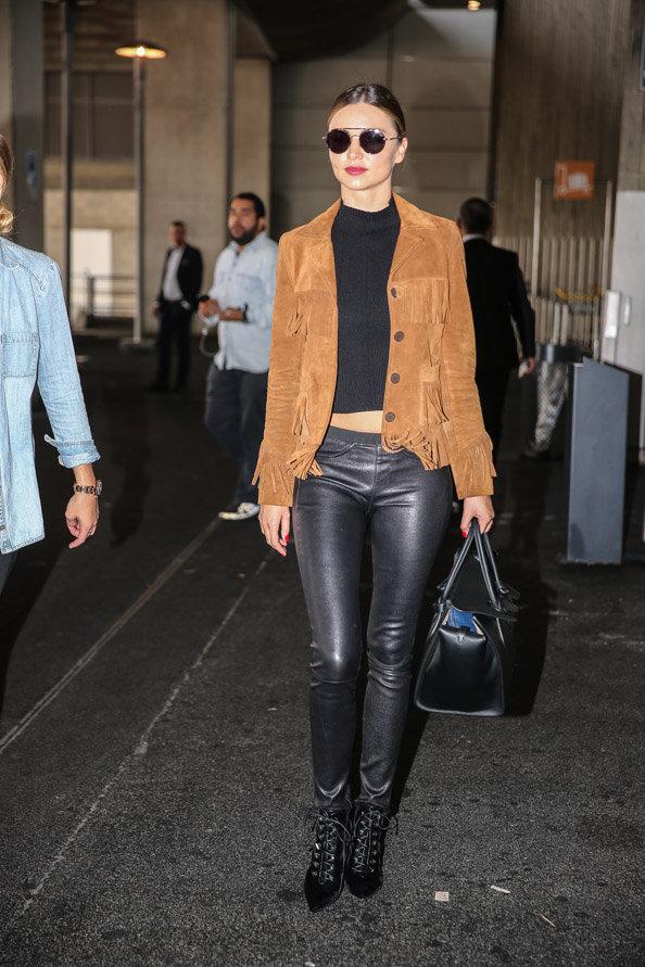 Miranda Kerr à l'aéroport Roissy Charles de Gaulle le 6 octobre 2015