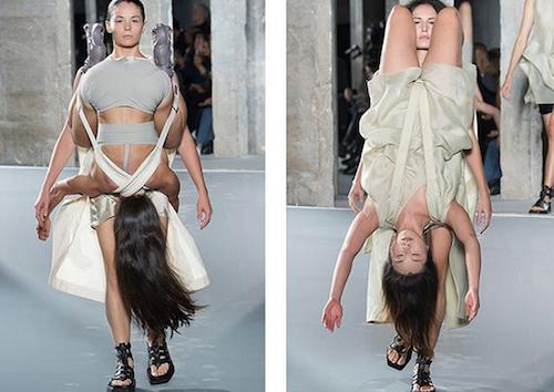 Photos : Fashion Week de Paris : Rick Owens étonne avec son Kamasutra ambulant !