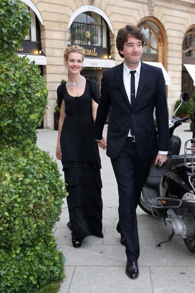 Natalia Vodianova et Antoine Arnault à la place Vendôme, le 3 juillet 2012.