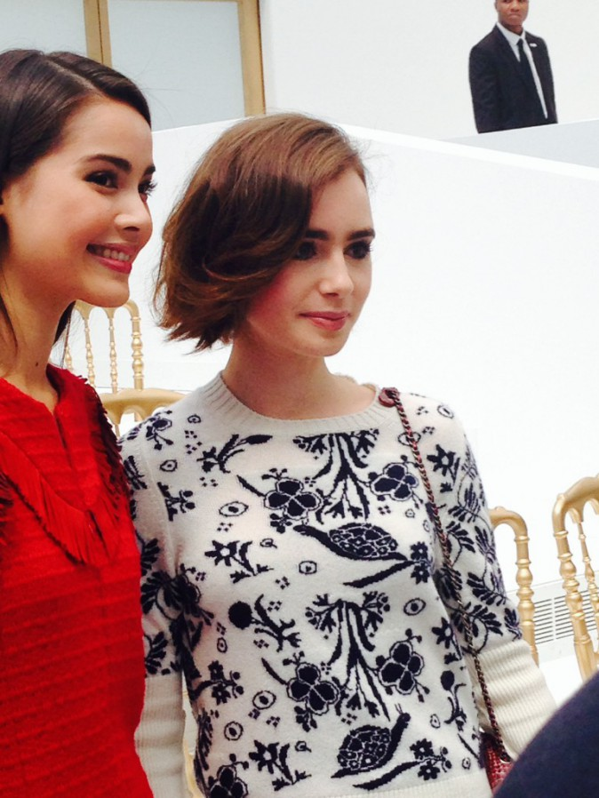Lilly Collins au défilé Chanel à Paris, le 8 juillet 2014