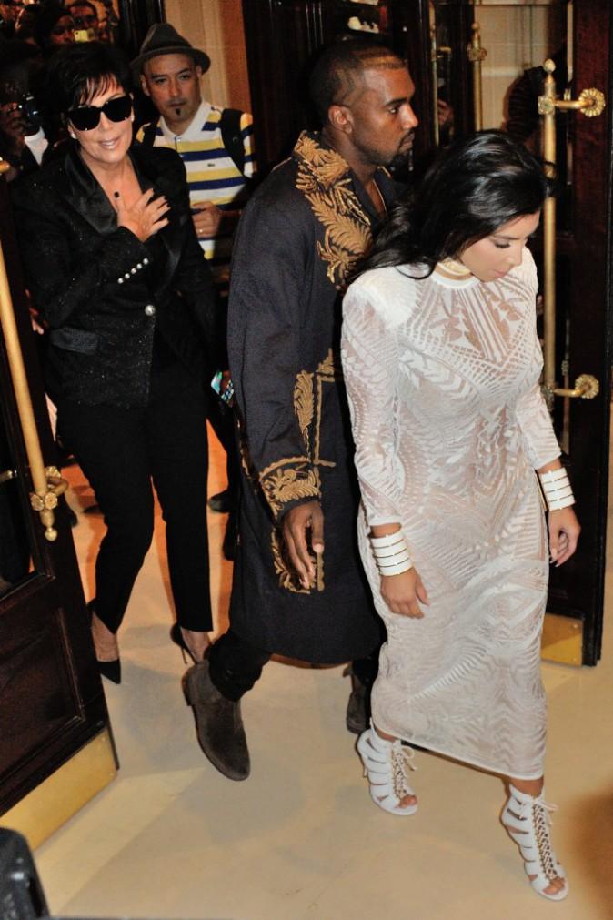 Kim Kardashian, Kris Jenner et Kanye West au défilé Balmain le 25 septembre 2014