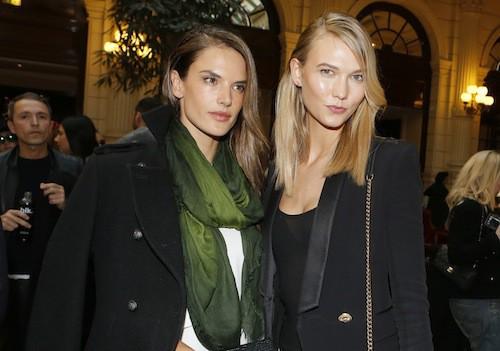 Alessandra Ambrosio et Karlie Kloss après le défilé Balmain à Paris, le 5 mars 2015