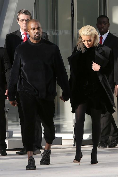 Photos : Fashion Week Paris : Kanye West : totalement sous le charme de sa blonde Kim !