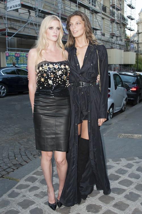Daria Werbowy et Lara Stone à la soirée Vogue pendant la Fashion Week Haute Couture de Paris, le 6 juillet 2015