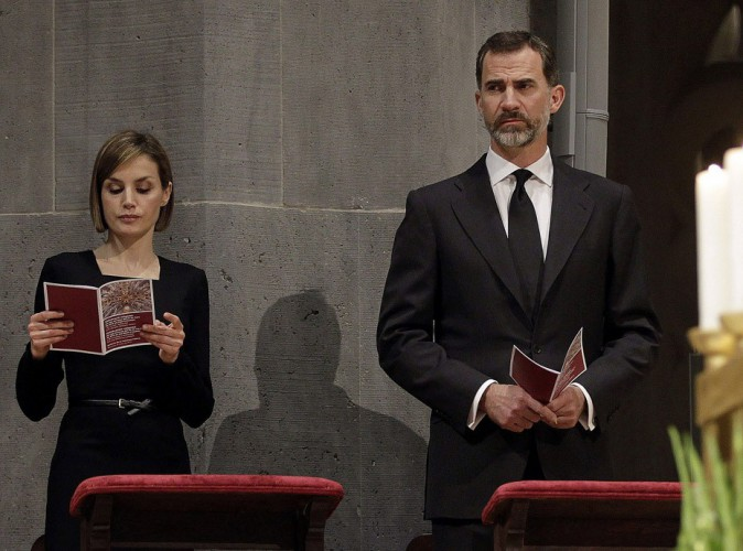 Felipe et Letizia d'Espagne : l'ultime hommage aux victimes du crash de la Germanwings