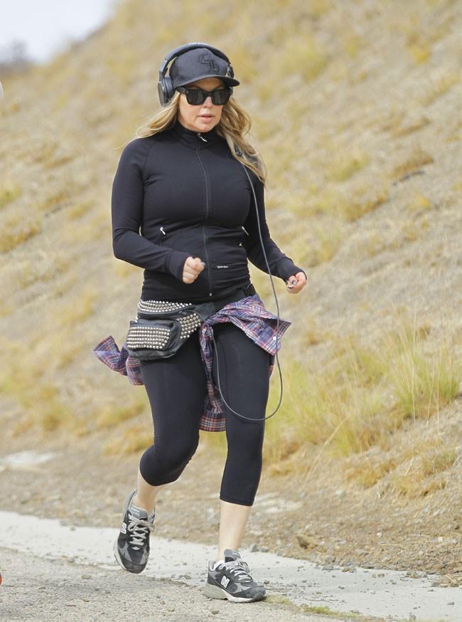 Fergie en plein footing sur les hauteurs de Los Angeles le 23 novembre 2013