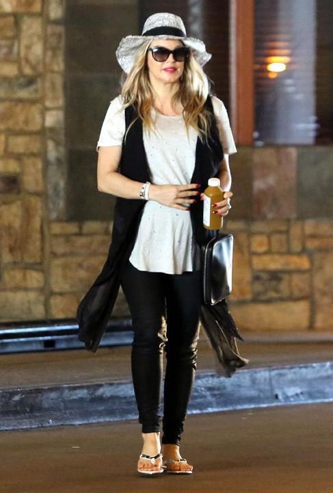 Fergie à virée shopping avec sa maman à Los Angeles le 14 juillet 2013