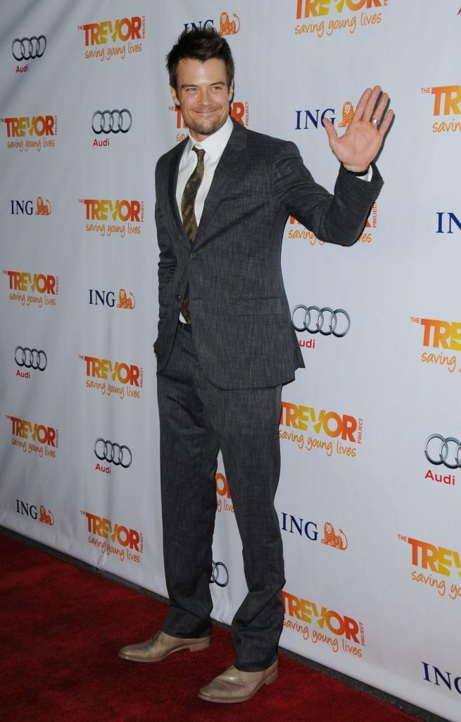 Josh Duhamel lors de la soirée Trevor Live à Hollywood, le 4 décembre 2011.