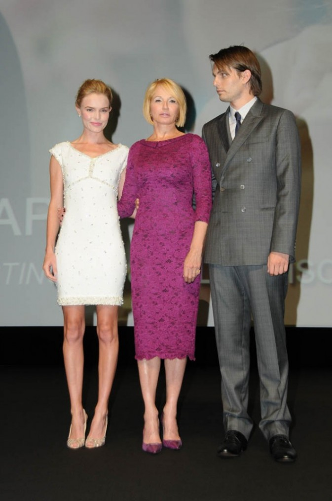 "Kate Bosworth, Ellen Barkin et Sam Levinson lors du photocall de son nouveau film ""Another Happy Day"" à Deauville, le 4 septembre 2011."