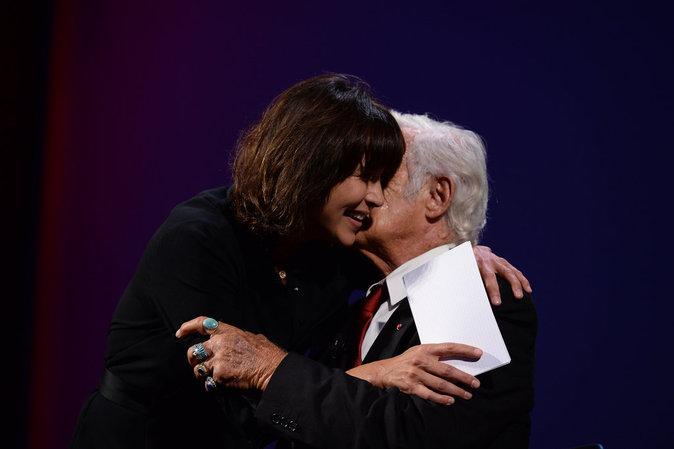 Jean-Paul Belmondo est récompensée d'un Lion d'or à Venise
