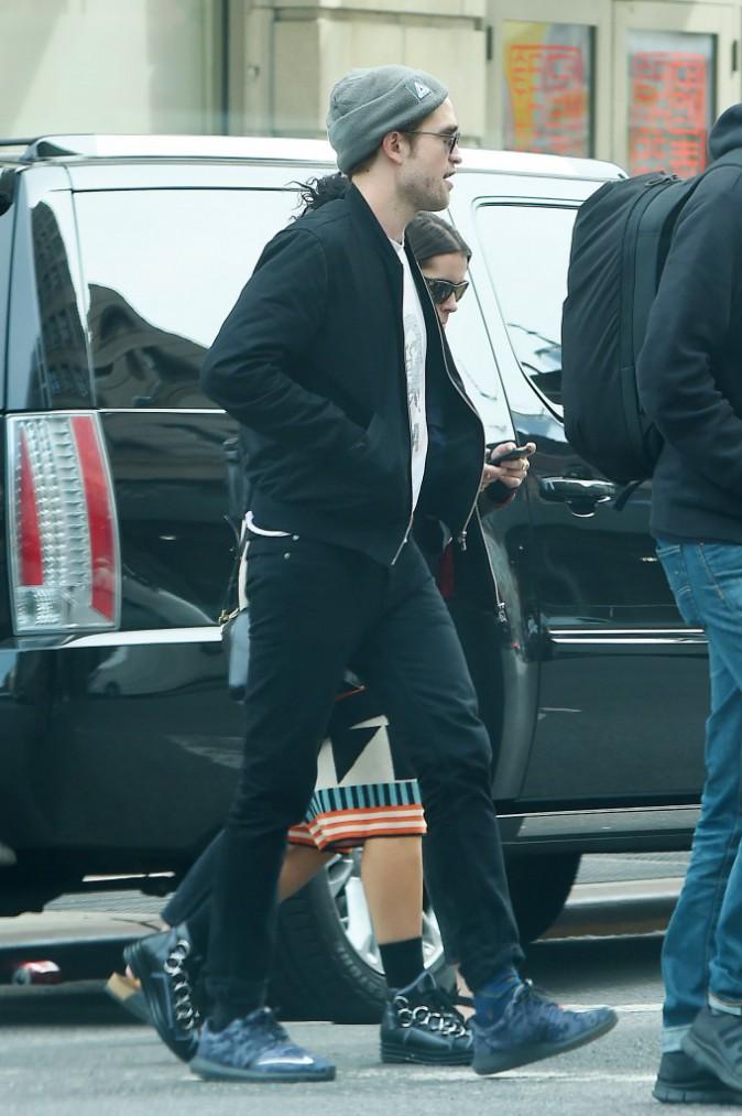 Photos : FKA twigs : une bamba triste aux côtés de Robert Pattinson !