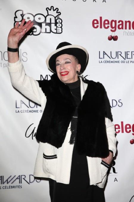 Photos : Geneviève de Fontenay : accompagnée de Miss Prestige National 2012, la dame au chapeau s'affiche chicissime !