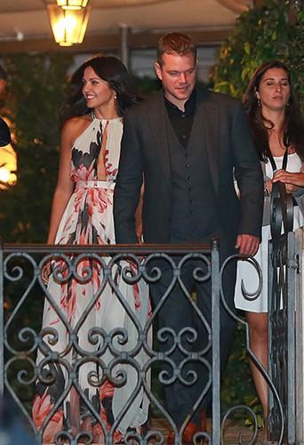 """Photos : George Clooney et Amal Alamuddin : soirée festive entre amis avant de se dire """"oui"""" !"""