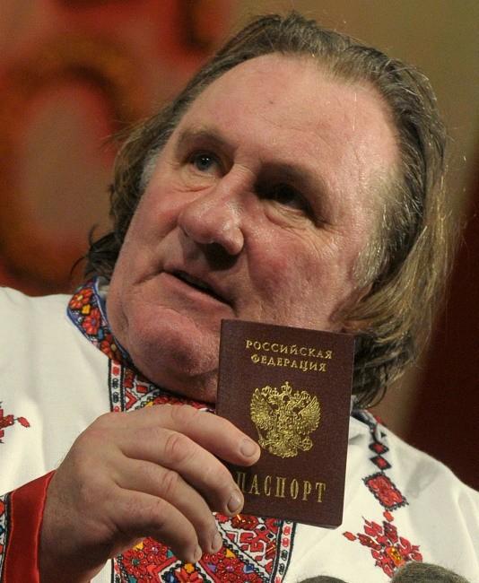 Fier de son nouveau passeport !