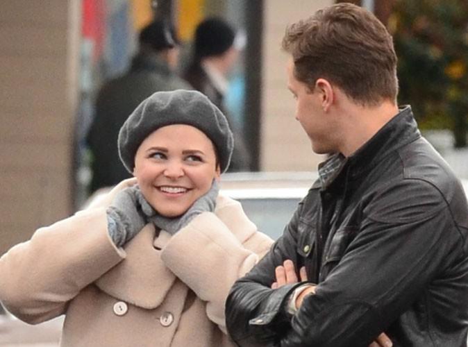 Ginnifer Goodwin et Josh Dallas sur le tournage d'Once Upon a Time à Vancouver le 7 novembre 2013