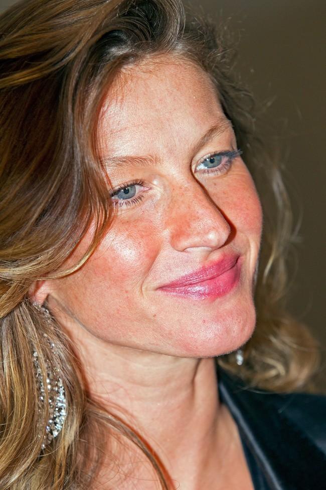 Gisele Bündchen au Museum of Fine Arts de Boston le 17 octobre 2012