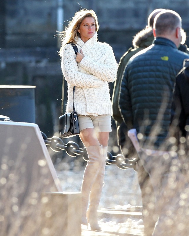 Gisele Bündchen en plein shooting à Boston, le 16 avril 2014.