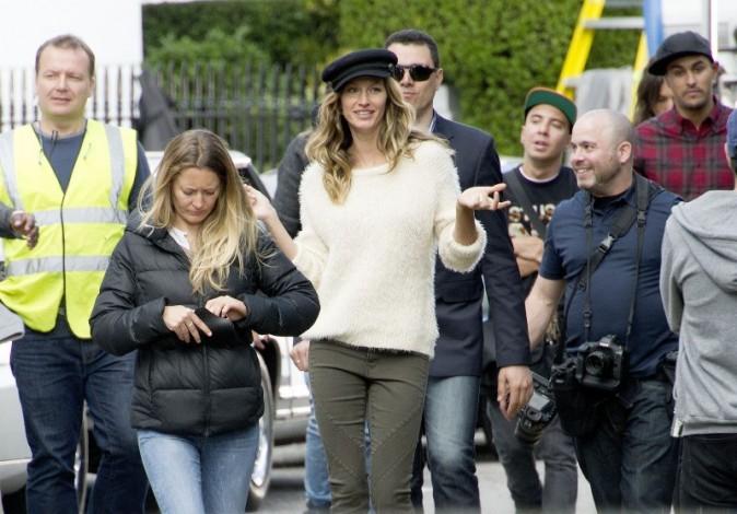 Gisele Bündchen en shooting à Londres pour H&M, le 30 avril 2013.