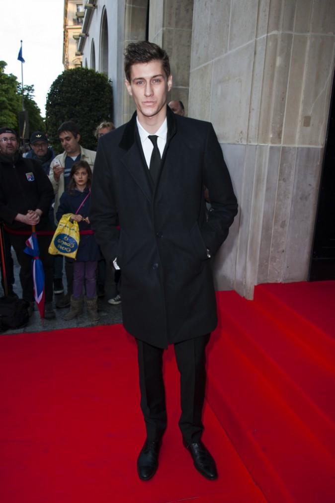 Photos : Global Gift Gala : Jean-Baptiste Maunier : la jeune star des Choristes a laissé place à un élégant jeune homme !