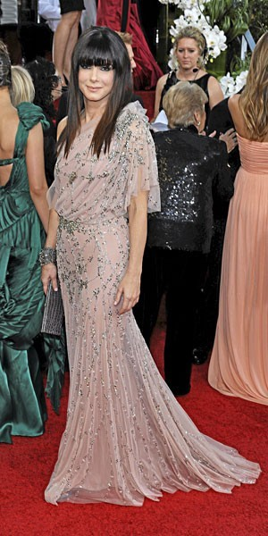 Golden Globes 2011 : le look de Sandra Bullock
