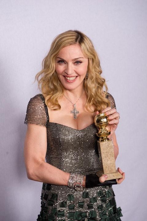 La Madone, extatique pour son prix qui récompense une chanson de son film, W.E !