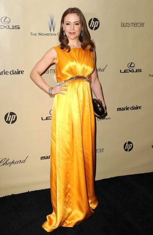 Alyssa Milano resplendissante aux Golden Globes