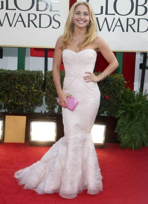Hayden Panettiere sexy en diable aux Golden Globes hier