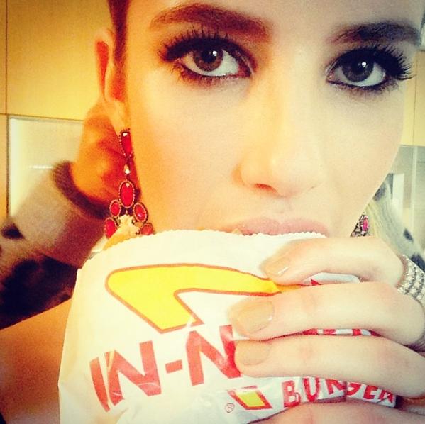 Emma Roberts, affamée !