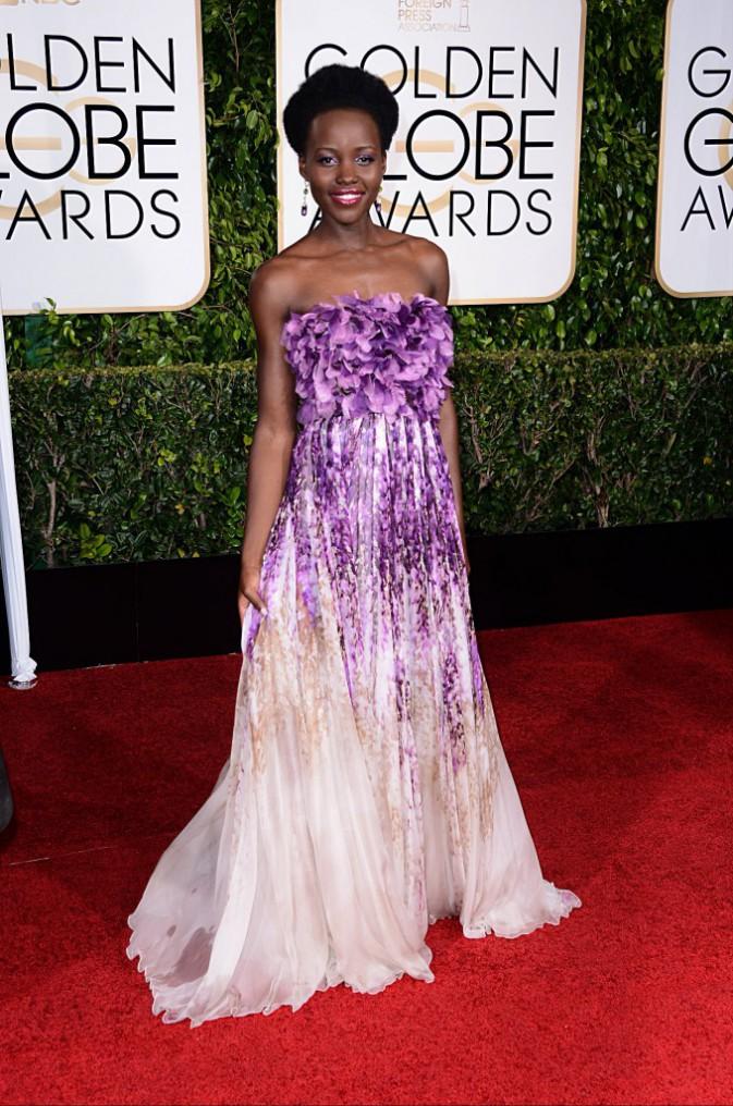 Photos : Golden Globes 2015 : Lupita Nyong'o : rayonnante et captivante en robe fleurie Giambattista Valli !