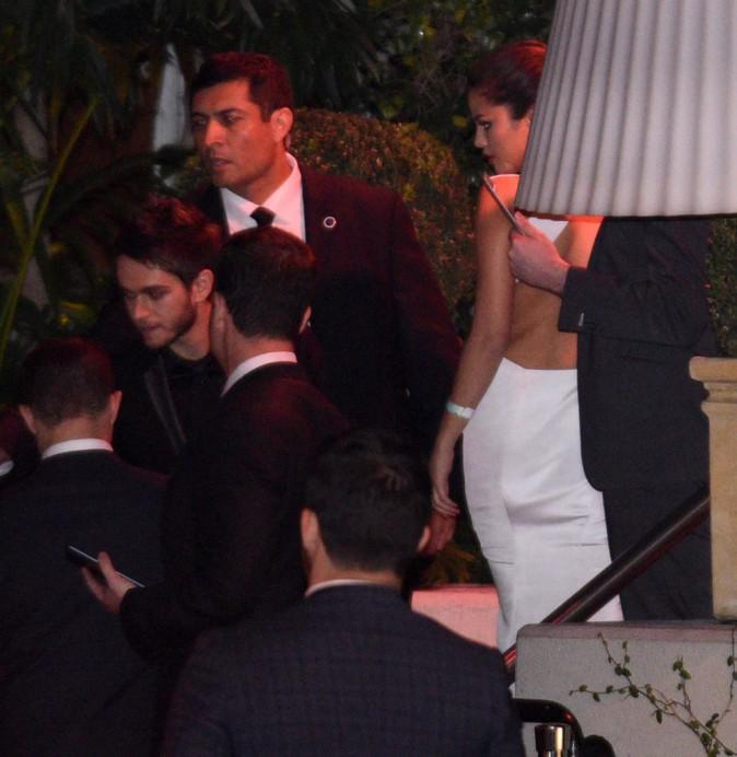 Photos : Golden Globes 2015 : Selena Gomez : petite bombe au méga décolleté, after party avec son nouveau mec ?
