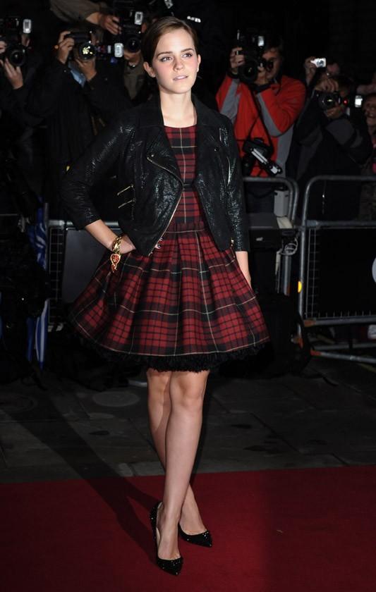 Emma Watson sans son chéri, mais avec une jolie paire de jambes !