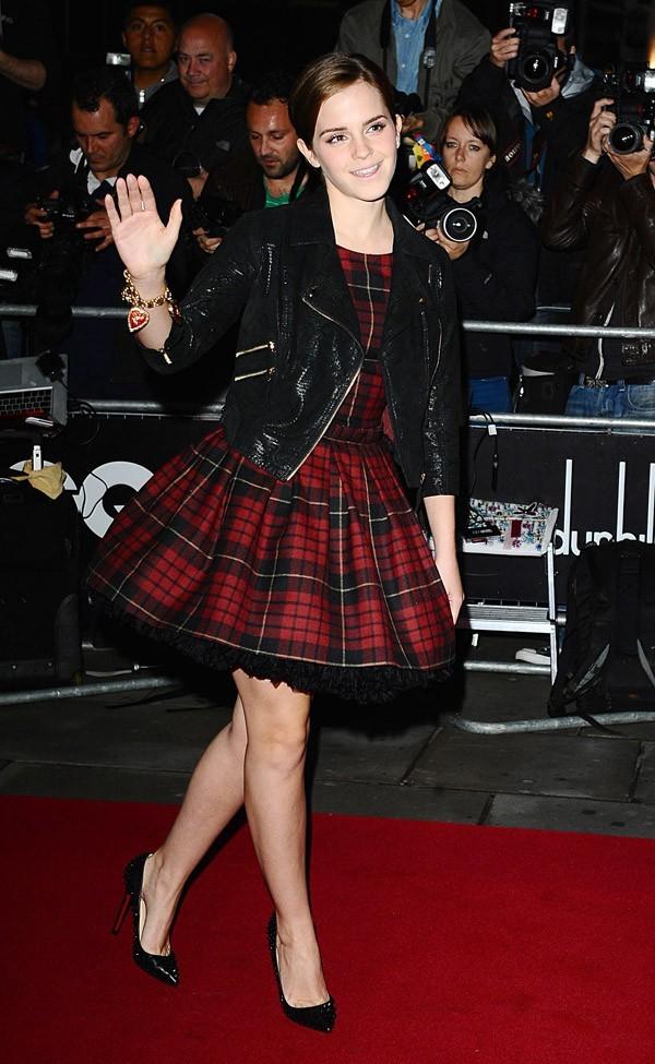 Emma Watson, version automne en tartan !