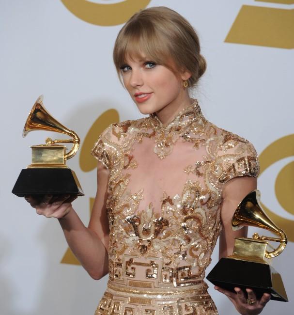 Taylor Swift lors de la cérémonie des Grammy Awards à Los Angeles, le 12 février 2012.