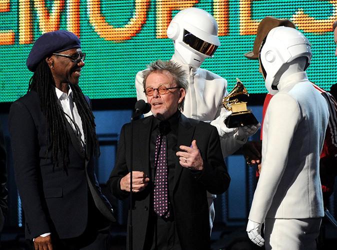 Daft Punk entouré de son équipe au complet à Los Angeles le 26 janvier 2014