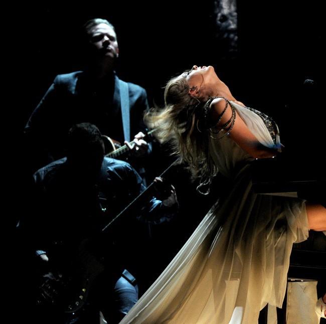 Taylor Swift sur la scène des Grammy Awards à Los Angeles, le 26 janvier 2014.