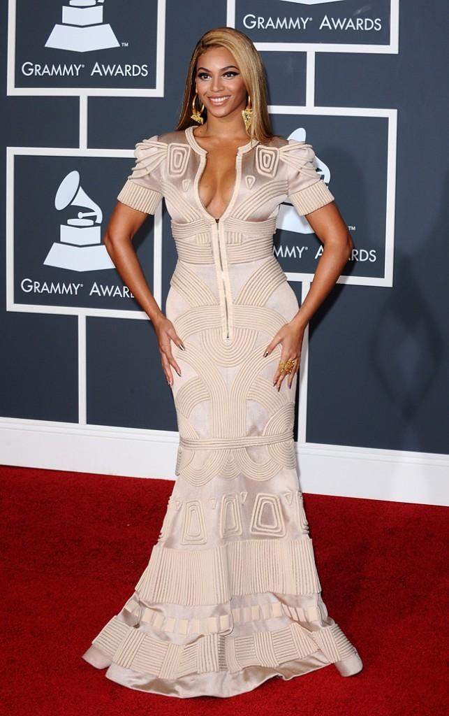 Beyoncé, sculpturale !