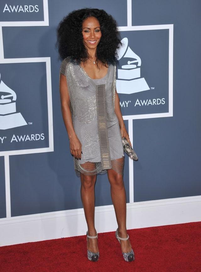 Jada Pinkett-Smith, une robe mini pour sublimer ses jambes !